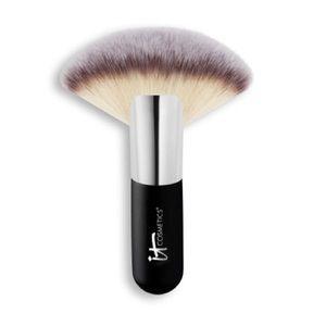 IT Cosmetics Heavenly Luxe Mega Fan Brush #9